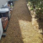雑草対策 防草シート 砂利 施工場所:奈良県北葛城郡広陵町