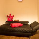 Der Ruheraum dient der Entspannung und Erholung, zum Beispiel nach Vollnarkose-Behandlungen.