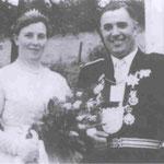 1958 Peter Klens und Frau Lene, Niederhelden