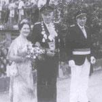 1977 Josef Rüenauver und Frau Hanna, Helden