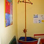 Segelboot im Wartezimmer der Praxisräume in Köln-Riehl