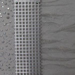 Verspielt (54x56 cm, Acryl/Stoff/Metall)