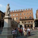 Dantedenkmal in Verona, Italien