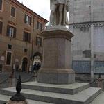Denkmal für den Dichter Alessandro Tassoni in Modena, Italien
