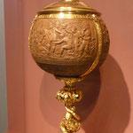 Pokal aus vergoldetem Silber und einer Kokosnuß, Germanisches Nationalmuseum Nürnberg