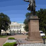 Denkmal für Alexander Puschkin vor der Akademie der Wisenschaften, St. Petersburg