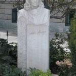 Denkmal für die Sängerin und griechische Kultusministerin Melina Mercouri