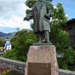 Denkmal für J.B. Purger in St. Ulrich, Südtirol, der die Grödtner Talstrasse bauen liess