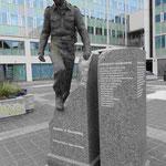 Denkmal für Joachim H. Rönneberg in Tromsö, der am 27.2. 1943 als Partisan die Sabotageaktion gegen die dedutsche Schwerwasserfabrik Vemork-one leitete