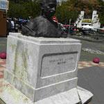Denkmal für Mahatma Gandhi auf Martinique - es gibt indische Einwanderer