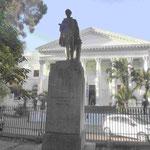 Denkmal für Sir Cecil Rhodes, Kappremier, Diamantenkönig, Gründer Nord- und Südrhodesiens (Sambia und Simbabwe)  in den Compagnie Gärten von Kapstadt, Südafrika