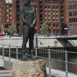 Denkmal für die Seeräuber Claas Störtebeker und Godeke Michels, die an dieser Stelle, dem Grasbrook in Hamburg, 1401 geköpft wurden