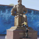 Ulugh Beg, Enkel von Tamerlan und Herrscher sowie Astronom, Denkmal in Samarkand, Usbekistan