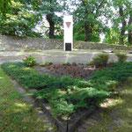 Cap Arkona Denkmal auf der Insel Poel. Bis hierher wurden im Mai 45 die Leichen der KZ-Häftlinge von der bombardierten Cap Arkona aus der Lübecker Bucht getrieben und endlich begraben