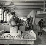 De doorrokers worden afgewerkt, foto van voor 1940