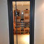 Porte vitrée de cave à vin