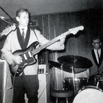 THE ASTRONAUTS- Herman Sterk (Sterman) met Fender Bass VI (1963)