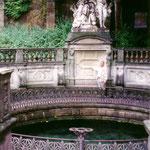 Zuerst fahren wir zur Donauquelle in den Fürstenbergschen Schlosspark.