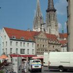 Beim Gang durch Regensburg blickt man immer wieder auf den Dom