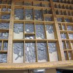 Setzkasten für die Tielprägung (Folienheißprägung)