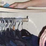 Nach Kundenwunsch übernehmen wir auch die Reinigung der Schränke von innen