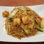 81. Suriname noodles with shrimps and chicken fillet (spicy)