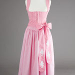 Baumwoll-Dirndl in Rosa mit rosa-weiß karierter Baumwollschürze (handbedruckte Schürzenbänder).