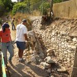 Début décaissement et purge du mur actuel (section gauche)