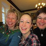 Das ist mir noch nie passiert: Ich bin mit Susanne und Frauke die erste beim Frühstück!