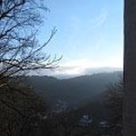 Von der Burg aus hat man eine tolle Aussicht ins Tal.