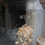 Holz liefert uns die Jugendherberge.