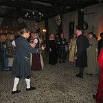 Olaf von FARANSIL bringt uns noch einen neuen Tanz bei.