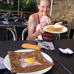 Stephanie glücklich Crepes mit maronenmus