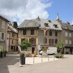 Marktplatz von Enrygues sur Truyere