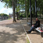 Brotzeit an der Somme in Amiens