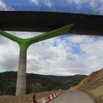moderne Autobahnbrücke