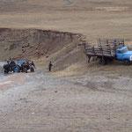 Trinkwasser-abhol-aktion von Einheimischen