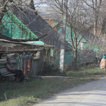 Menschen an der Dorfstrasse Ukraine