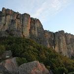 Pietra di Bismantova, morgens, bei Castel novo ne Monti