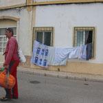 Martin mit dem Wäschesack auf Wanderschaft