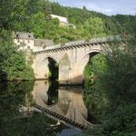 Brücke über den Lot, 13. Jahrhundert, Entrygues sur Truyere