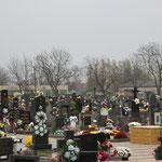 geschmückte Gräber in der Slowakei