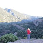 Stephanie, vor dem Abgrund Canyon Balces
