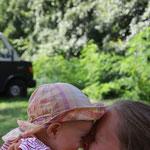 glückliches Kind und glückliche Mama