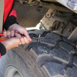 Krampen aus Reifen ziehen