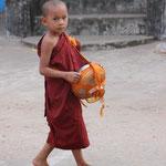 Junger Mönch, Mawlamyine
