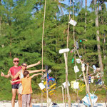 Familien-Abfallkunstwerk auf Koh Kood, Thailand