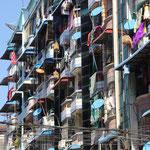 butes Bauwerk in Yangon
