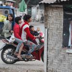 Familienausflug mit dem Motorrad