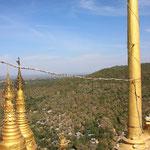 Aussicht vom Mount Popa, Begann